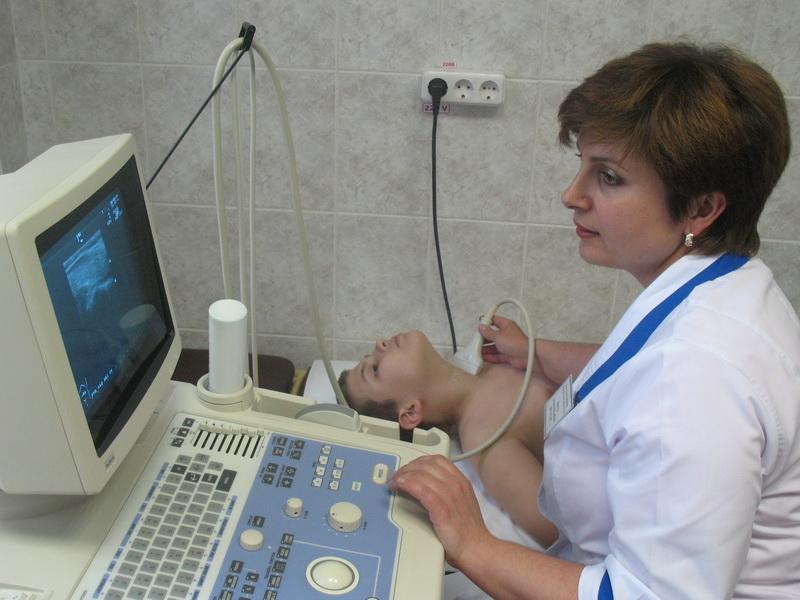 Мальчик на приеме у врача