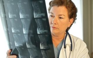 Чем отличаются МРТ и КТ позвоночника, какой метод лучше подходит именно вам
