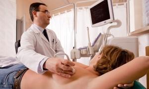 Чем отличается УЗИ от маммографии и что лучше для женщин разных возрастов