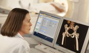 Какова вероятность постановки ошибочного диагноза после томографии