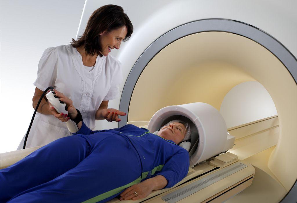 Процедура обследования с помощью томографа