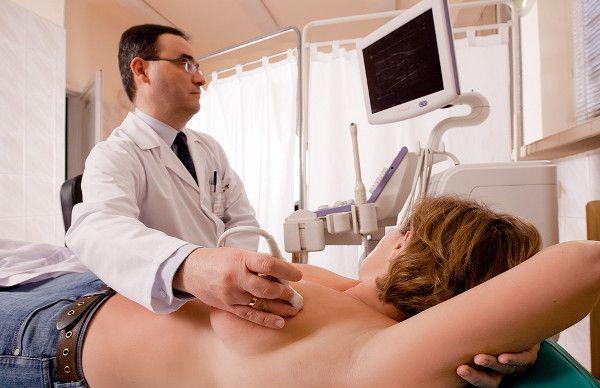 Приложение датчика к груди